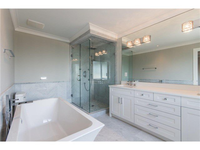 """Photo 10: Photos: 733 E 7TH Street in North Vancouver: Queensbury House for sale in """"QUEENSBURY"""" : MLS®# V1129157"""