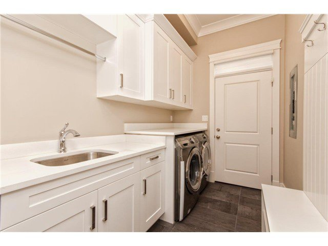 """Photo 18: Photos: 733 E 7TH Street in North Vancouver: Queensbury House for sale in """"QUEENSBURY"""" : MLS®# V1129157"""