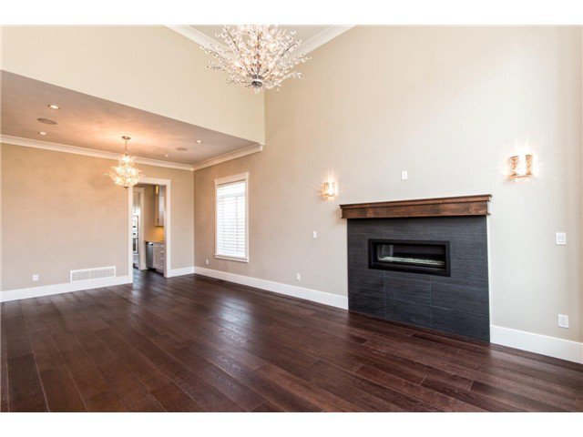 """Photo 8: Photos: 733 E 7TH Street in North Vancouver: Queensbury House for sale in """"QUEENSBURY"""" : MLS®# V1129157"""