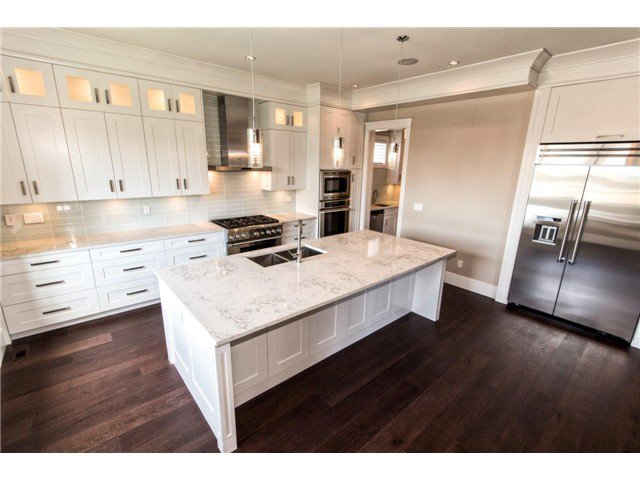 """Photo 5: Photos: 733 E 7TH Street in North Vancouver: Queensbury House for sale in """"QUEENSBURY"""" : MLS®# V1129157"""