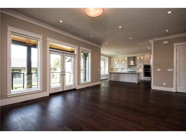 """Photo 15: Photos: 733 E 7TH Street in North Vancouver: Queensbury House for sale in """"QUEENSBURY"""" : MLS®# V1129157"""
