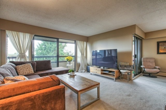 Main Photo: 304 1048 KING ALBERT Avenue in Coquitlam: Central Coquitlam Condo for sale : MLS®# R2012590