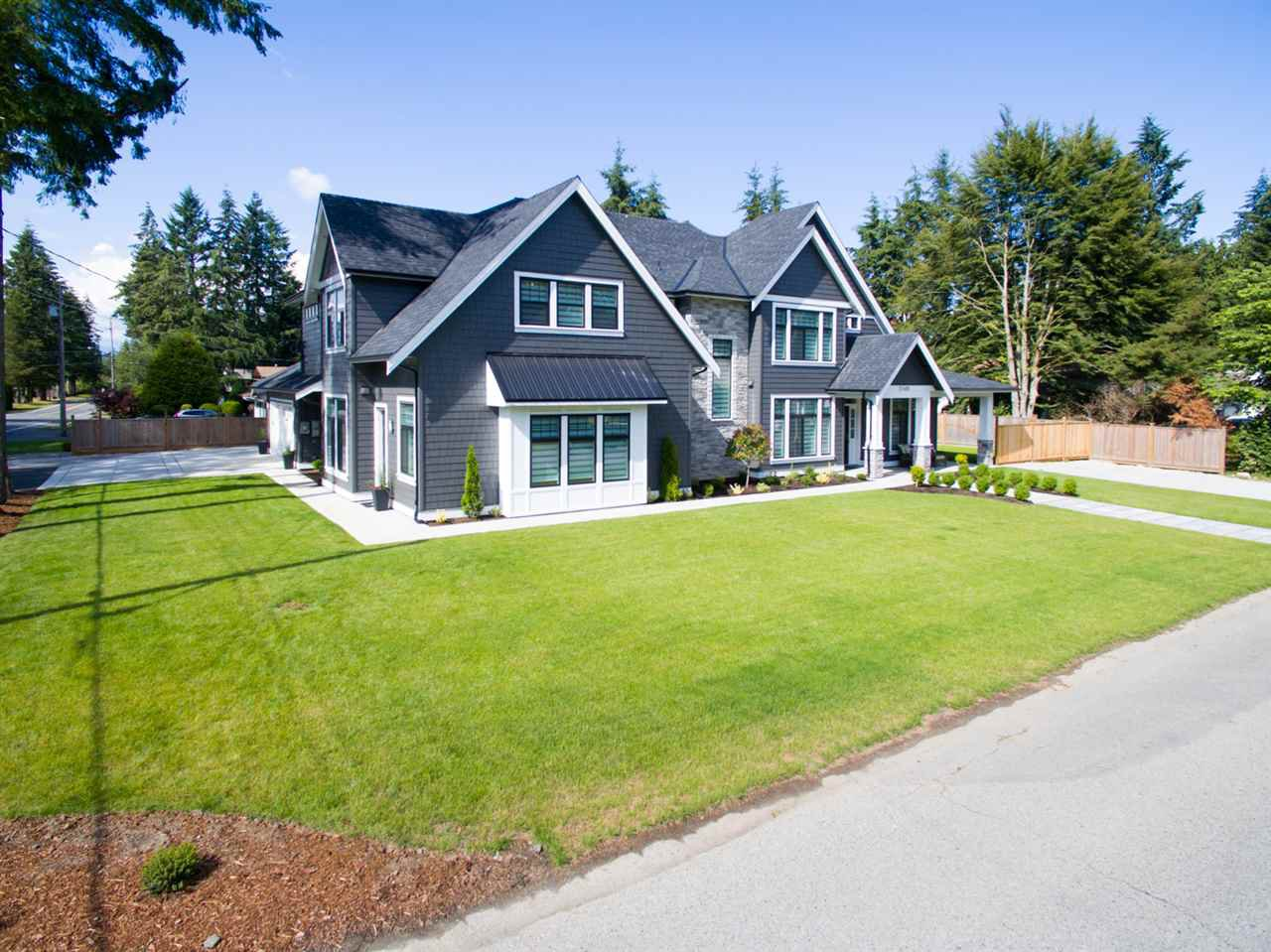Main Photo: 20419 42A Avenue in Langley: Brookswood Langley House for sale : MLS®# R2082094