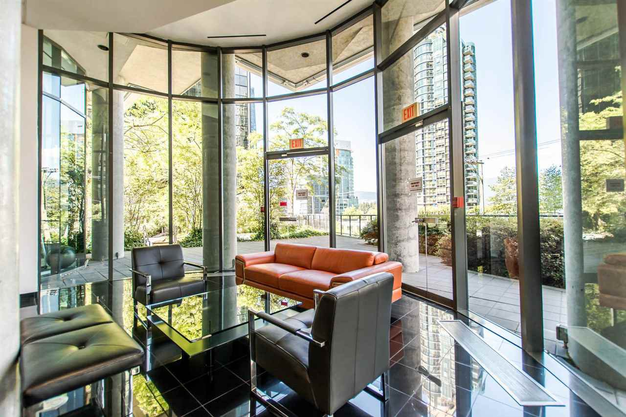 """Photo 18: Photos: 1607 1331 W GEORGIA Street in Vancouver: Coal Harbour Condo for sale in """"THE POINT"""" (Vancouver West)  : MLS®# R2099225"""