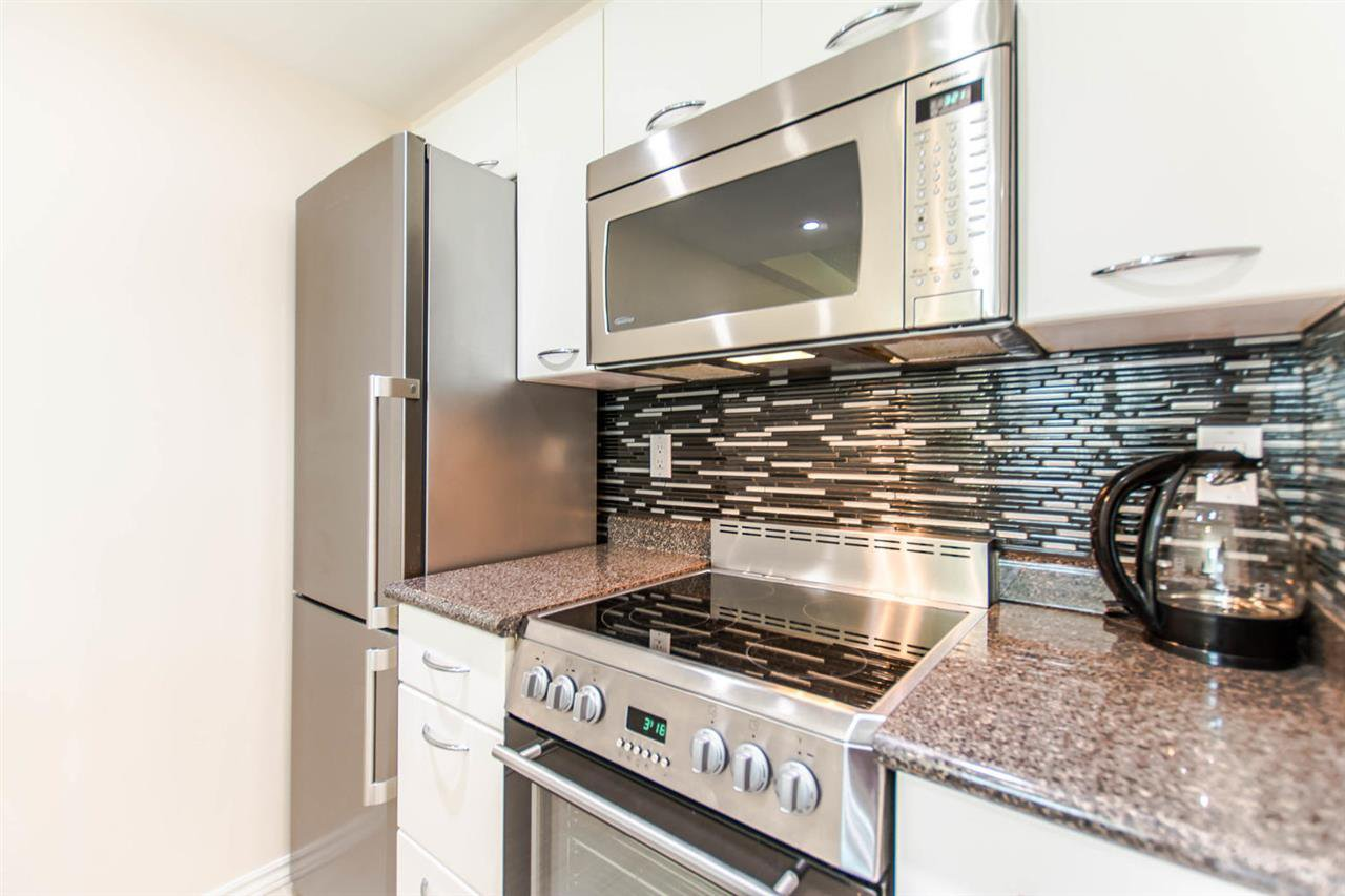 """Photo 8: Photos: 1607 1331 W GEORGIA Street in Vancouver: Coal Harbour Condo for sale in """"THE POINT"""" (Vancouver West)  : MLS®# R2099225"""