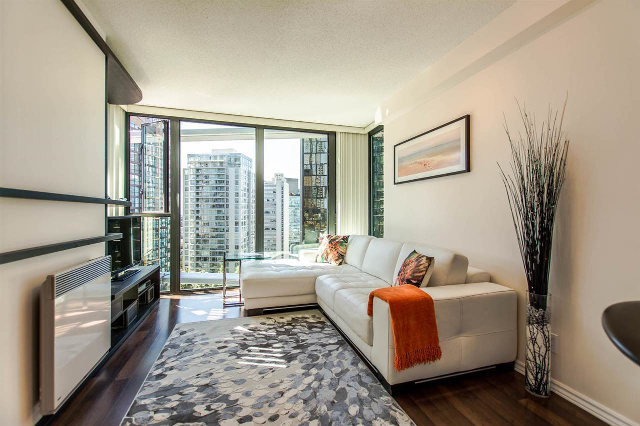 """Photo 10: Photos: 1607 1331 W GEORGIA Street in Vancouver: Coal Harbour Condo for sale in """"THE POINT"""" (Vancouver West)  : MLS®# R2099225"""