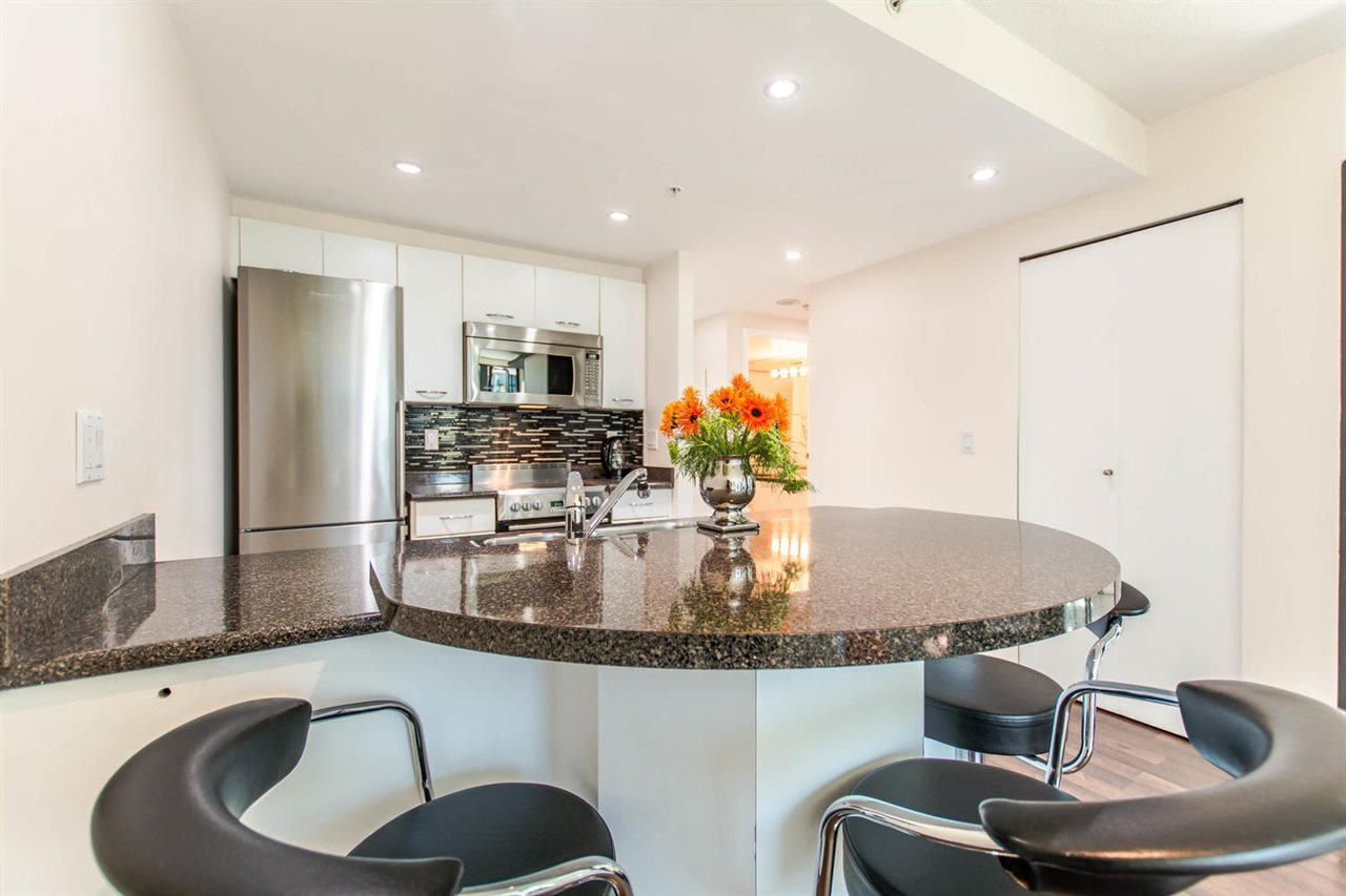"""Photo 5: Photos: 1607 1331 W GEORGIA Street in Vancouver: Coal Harbour Condo for sale in """"THE POINT"""" (Vancouver West)  : MLS®# R2099225"""