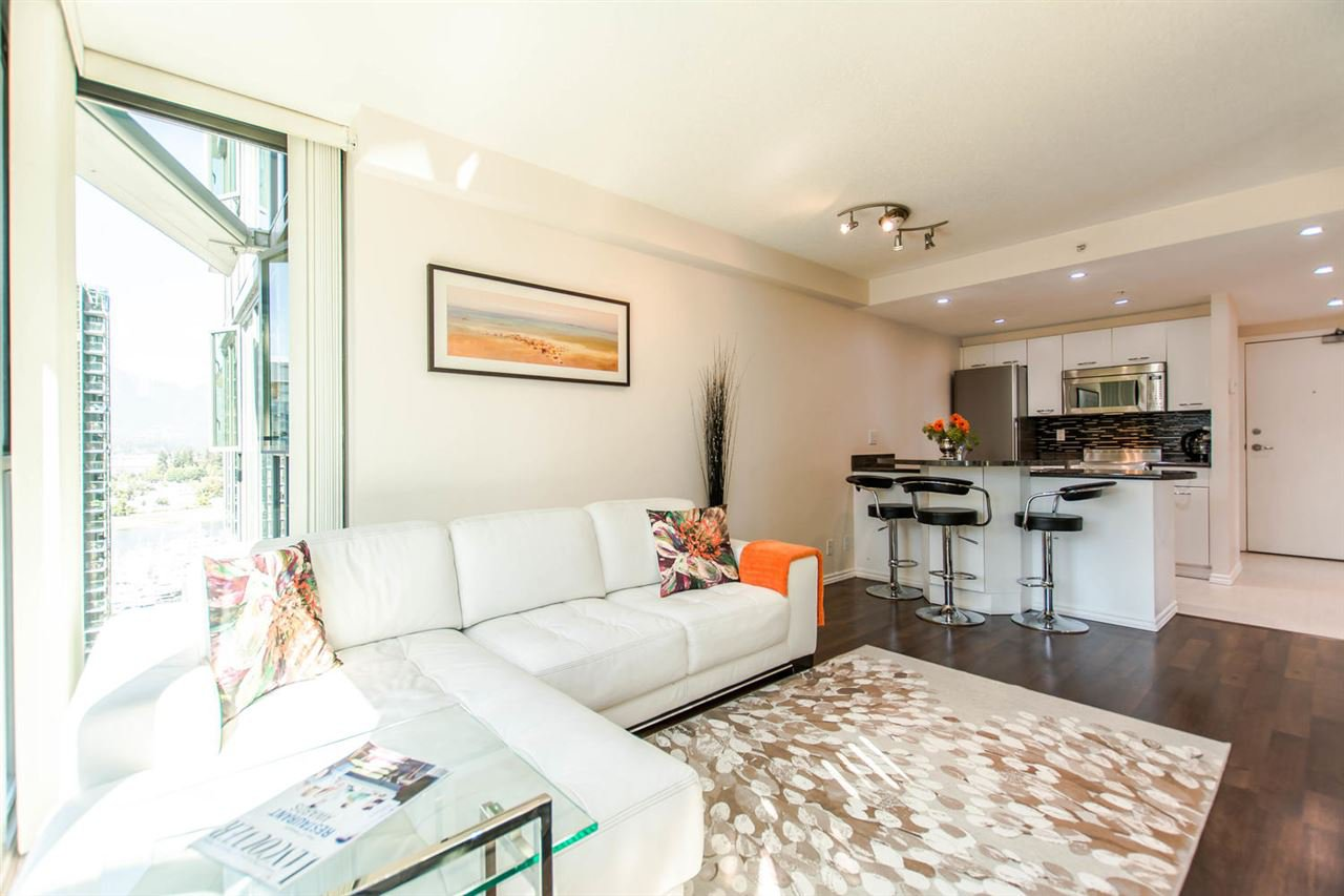 """Photo 3: Photos: 1607 1331 W GEORGIA Street in Vancouver: Coal Harbour Condo for sale in """"THE POINT"""" (Vancouver West)  : MLS®# R2099225"""