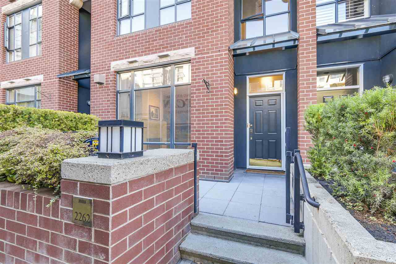"""Main Photo: 2262 REDBUD Lane in Vancouver: Kitsilano Townhouse for sale in """"ANSONIA"""" (Vancouver West)  : MLS®# R2109336"""
