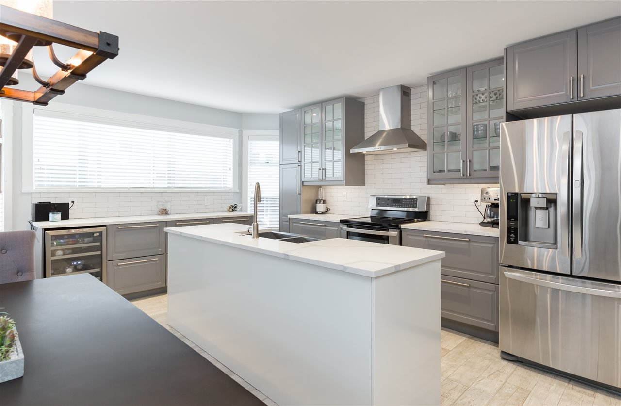 """Photo 7: Photos: 9 1195 FALCON Drive in Coquitlam: Eagle Ridge CQ Townhouse for sale in """"THE COURTYARDS"""" : MLS®# R2144361"""
