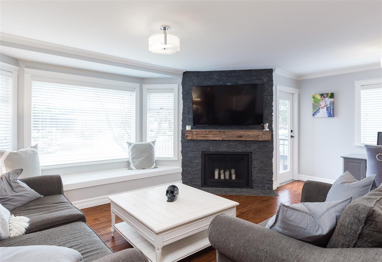 """Photo 3: Photos: 9 1195 FALCON Drive in Coquitlam: Eagle Ridge CQ Townhouse for sale in """"THE COURTYARDS"""" : MLS®# R2144361"""