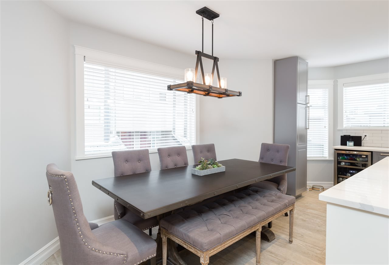 """Photo 6: Photos: 9 1195 FALCON Drive in Coquitlam: Eagle Ridge CQ Townhouse for sale in """"THE COURTYARDS"""" : MLS®# R2144361"""