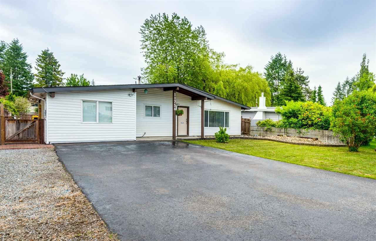 Main Photo: 11754 STEEVES STREET in Maple Ridge: Southwest Maple Ridge House for sale : MLS®# R2178109