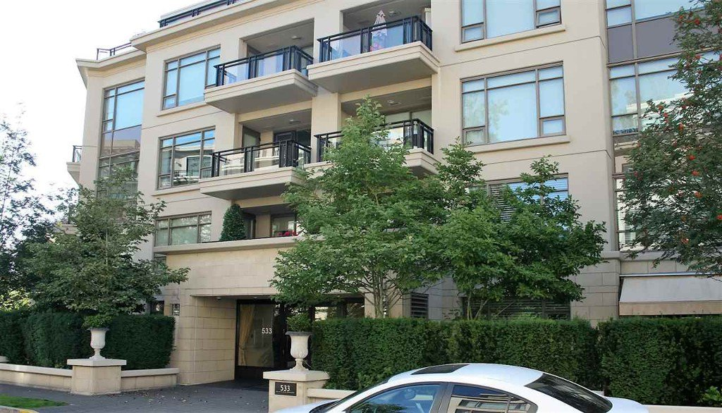 Photo 3: Photos: 533 Waters Edge Cres. in West Vancouver: Park Royal Condo for rent