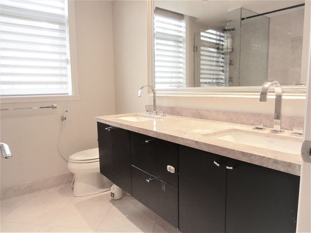 Photo 9: Photos: 533 Waters Edge Cres. in West Vancouver: Park Royal Condo for rent