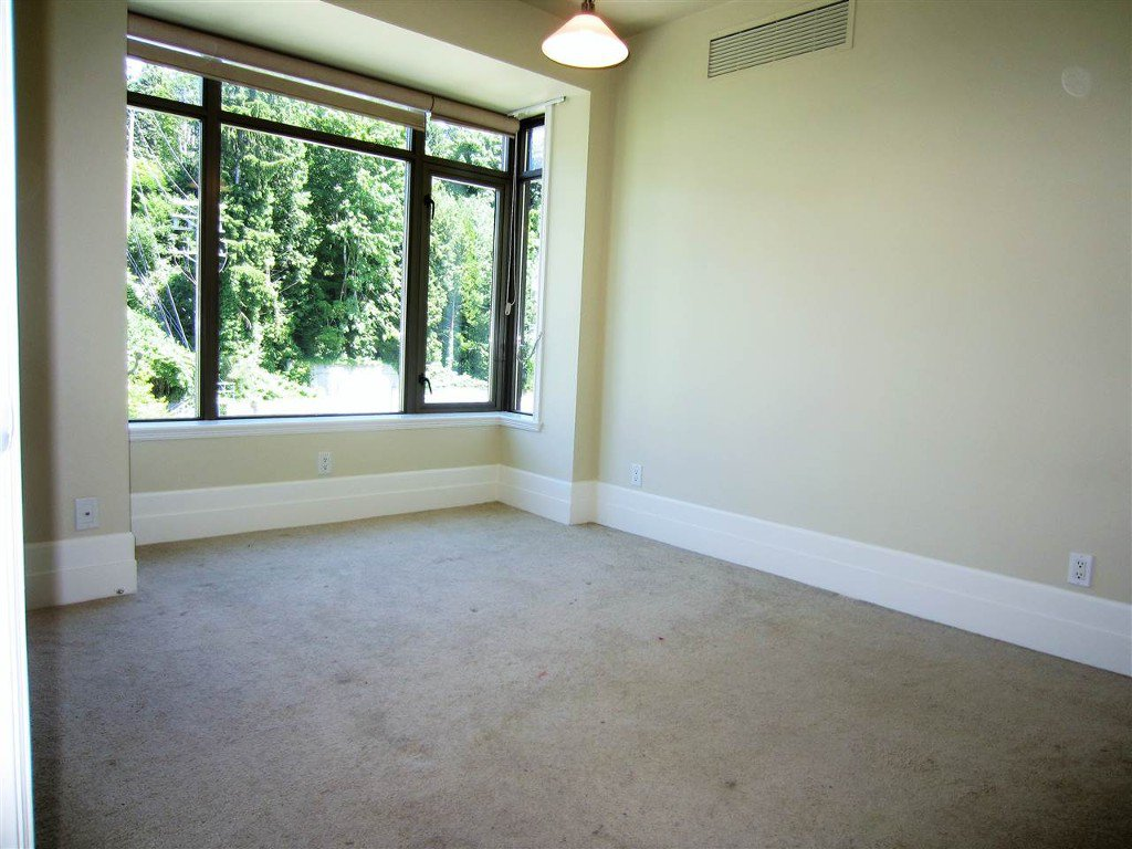 Photo 6: Photos: 533 Waters Edge Cres. in West Vancouver: Park Royal Condo for rent