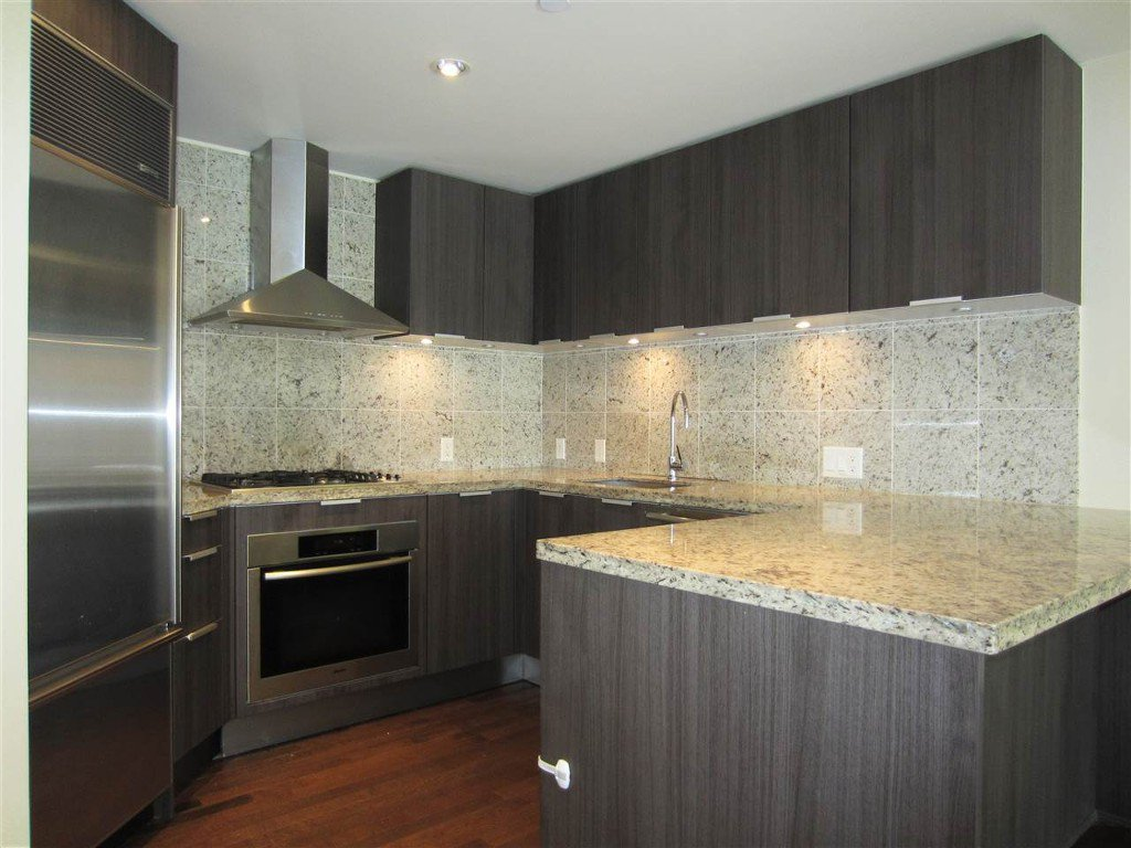 Photo 4: Photos: 533 Waters Edge Cres. in West Vancouver: Park Royal Condo for rent