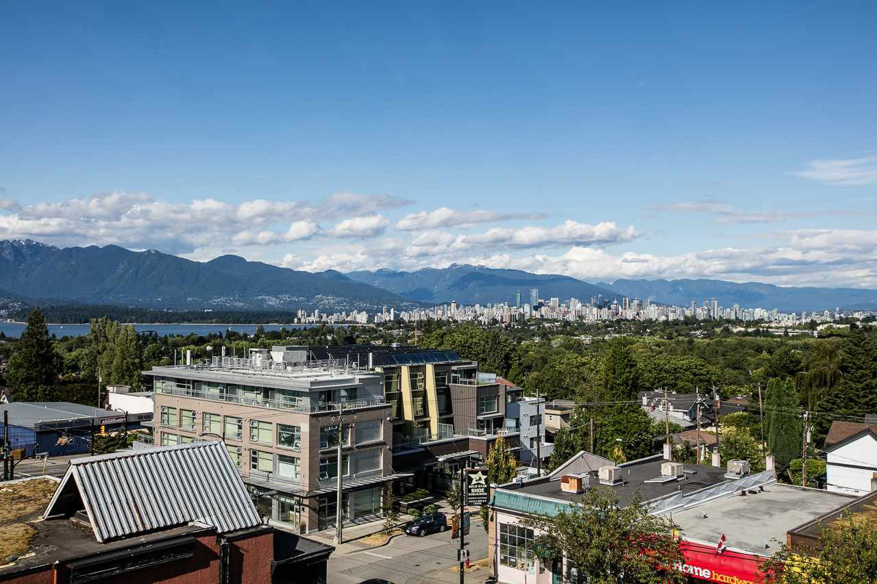 """Main Photo: 104 3349 DUNBAR Street in Vancouver: Dunbar Townhouse for sale in """"DUNBAR"""" (Vancouver West)  : MLS®# R2199168"""