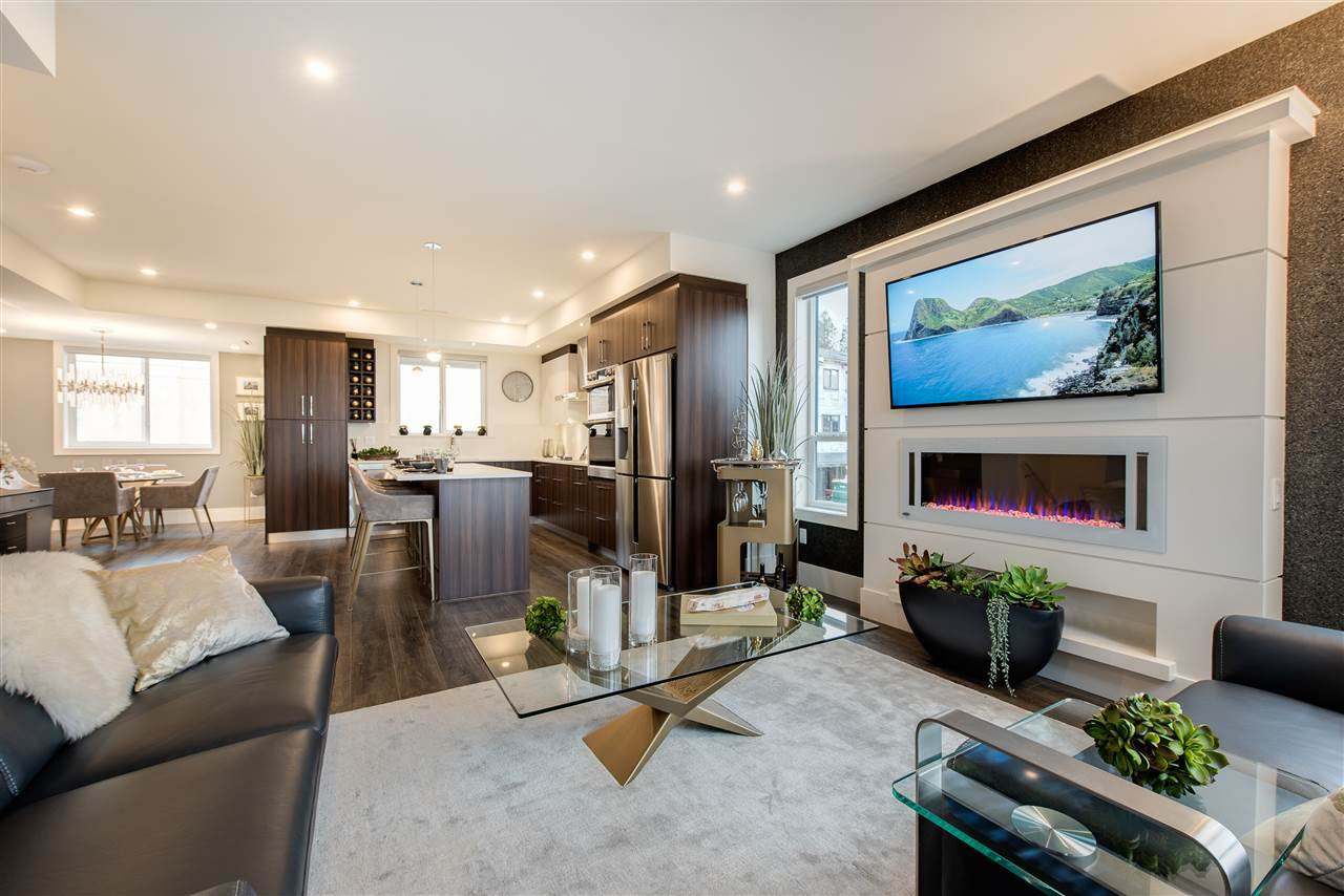 """Main Photo: 10 34825 DELAIR Road in Abbotsford: Abbotsford East Townhouse for sale in """"Breeze"""" : MLS®# R2243970"""