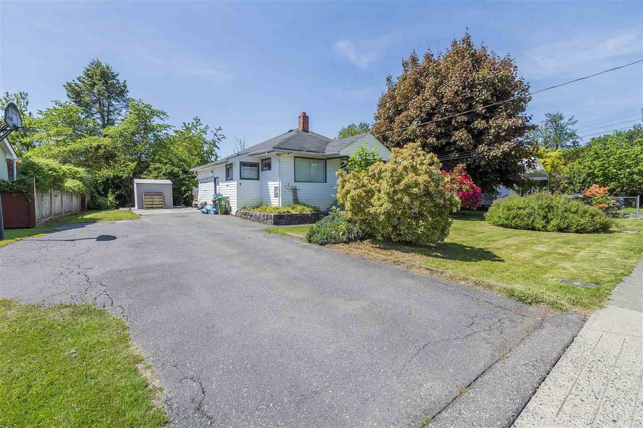 Main Photo: 9835 CORBOULD Street in Chilliwack: Chilliwack N Yale-Well House for sale : MLS®# R2268618