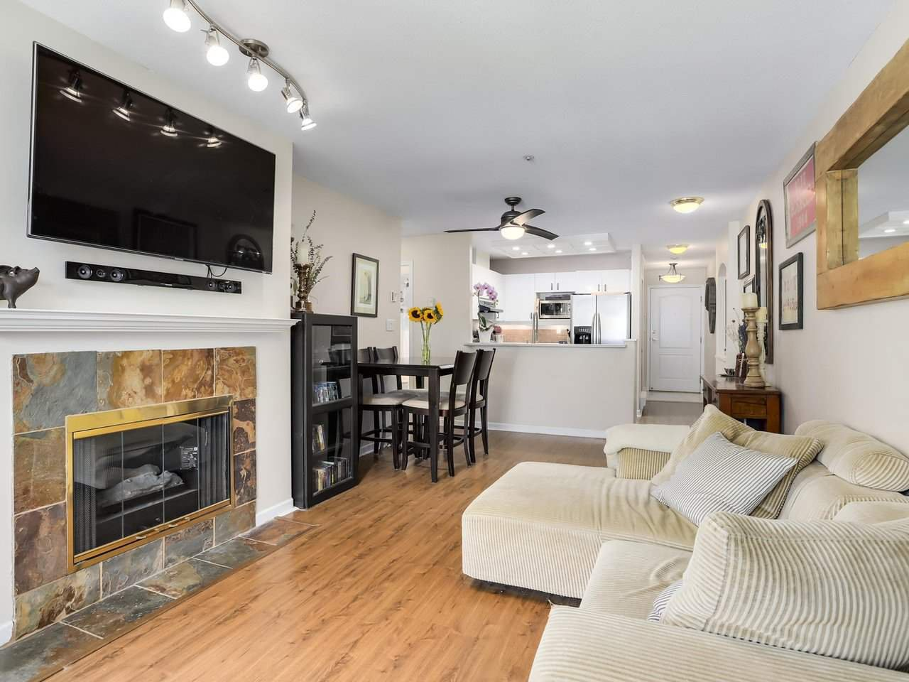 """Main Photo: 404 6745 STATION HILL Court in Burnaby: South Slope Condo for sale in """"SALTSPRING"""" (Burnaby South)  : MLS®# R2272238"""