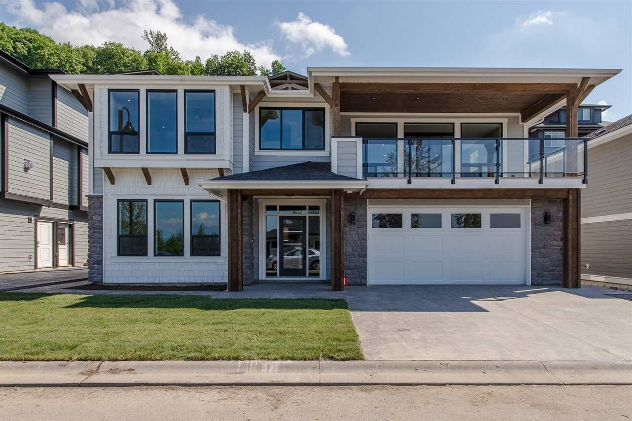 "Main Photo: 26 50778 LEDGESTONE Place in Chilliwack: Eastern Hillsides House for sale in ""SUNRIDGE"" : MLS®# R2274837"