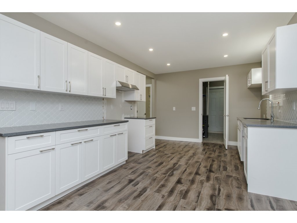 Photo 8: Photos: 9422 COOK Street in Chilliwack: Chilliwack N Yale-Well House for sale : MLS®# R2324374