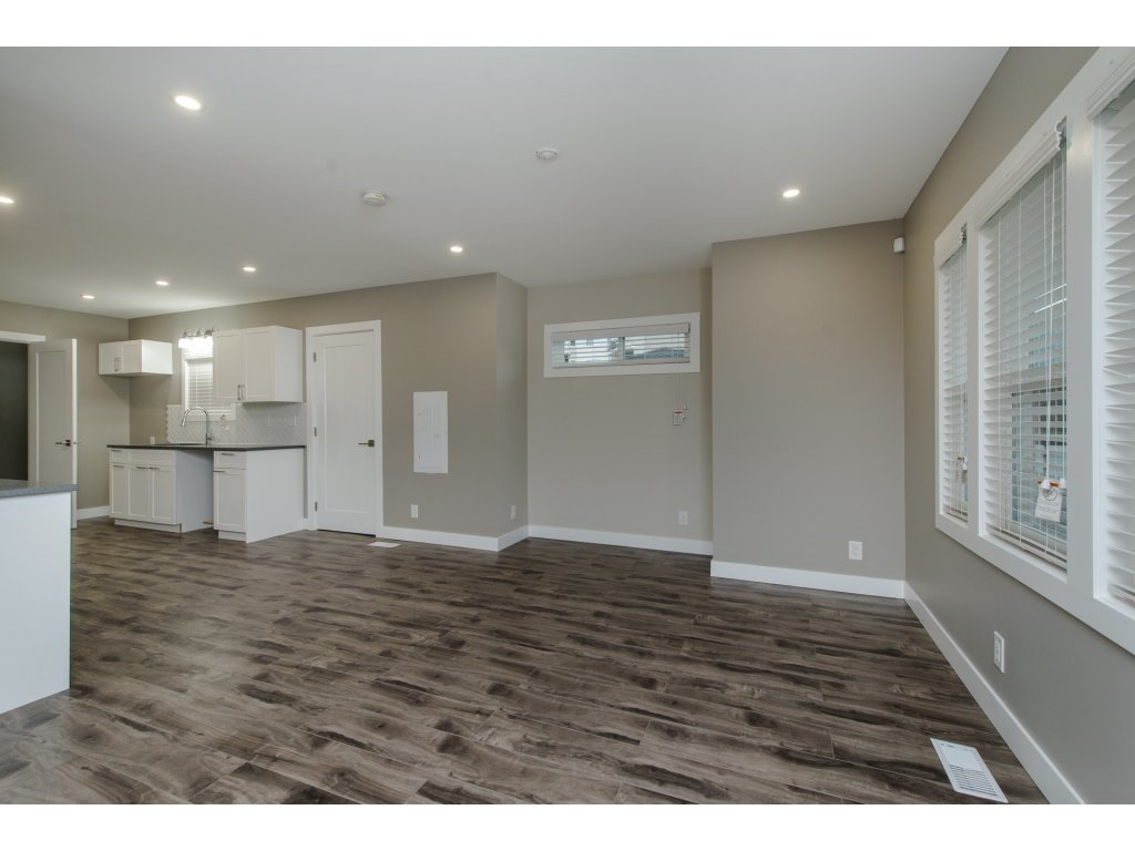Photo 5: Photos: 9422 COOK Street in Chilliwack: Chilliwack N Yale-Well House for sale : MLS®# R2324374