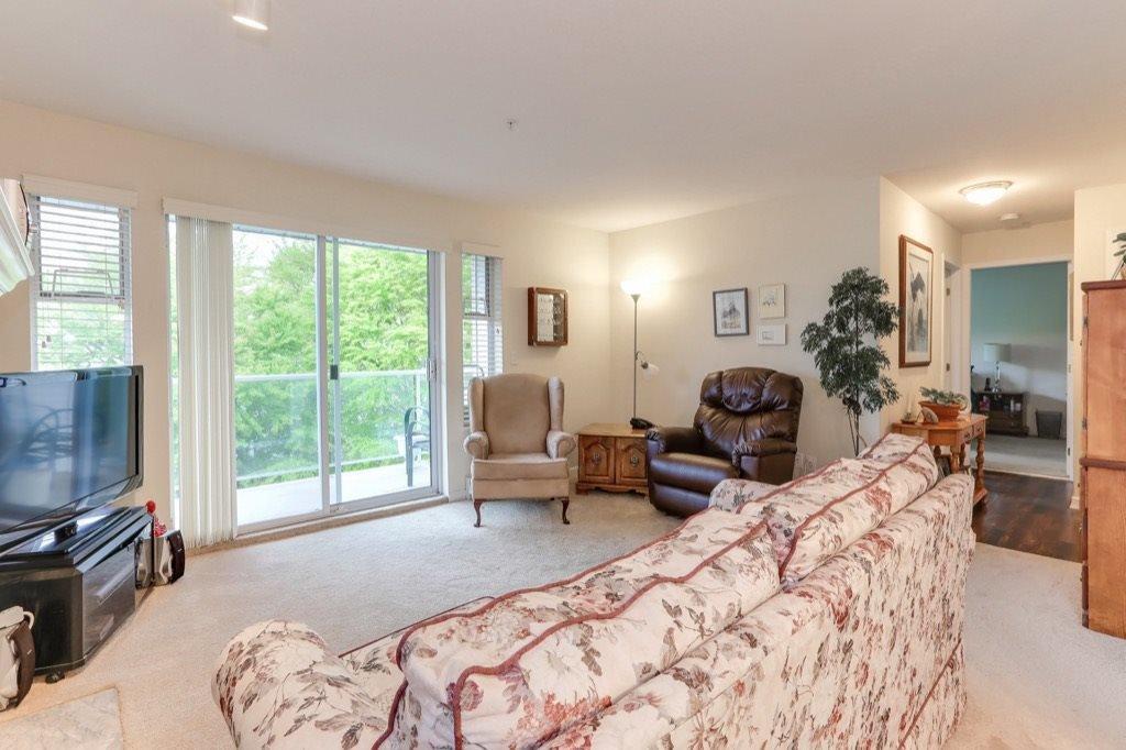 "Main Photo: 310 4758 53 Street in Delta: Delta Manor Condo for sale in ""SINNINGDALE III"" (Ladner)  : MLS®# R2361282"