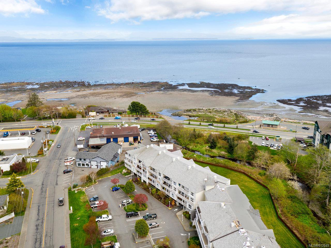 Main Photo: 105 155 Erickson Rd in CAMPBELL RIVER: CR Willow Point Condo for sale (Campbell River)  : MLS®# 812049