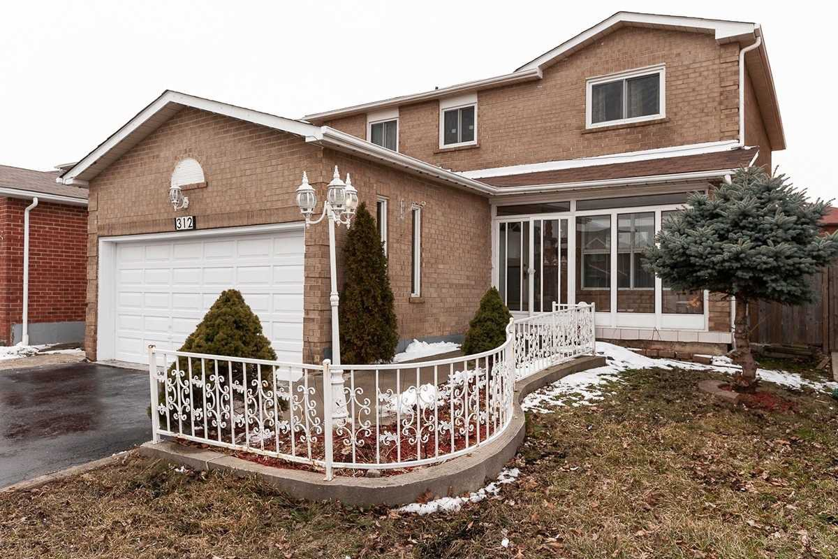 Main Photo: 312 Conestoga Drive in Brampton: Heart Lake West House (2-Storey) for sale : MLS®# W4430408