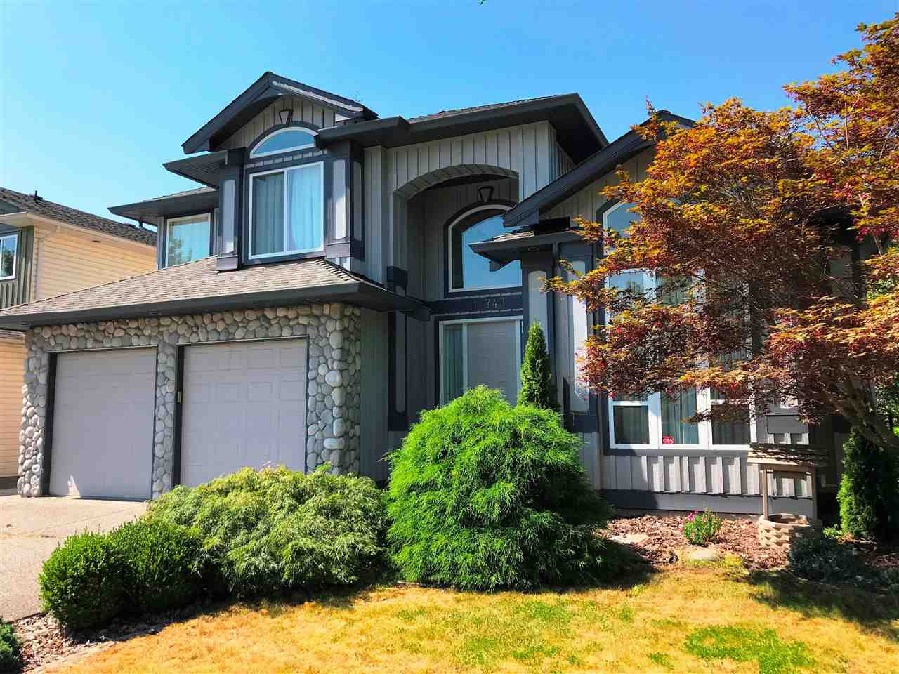 Main Photo: 11743 CREEKSIDE Street in Maple Ridge: Cottonwood MR House for sale : MLS®# R2375049