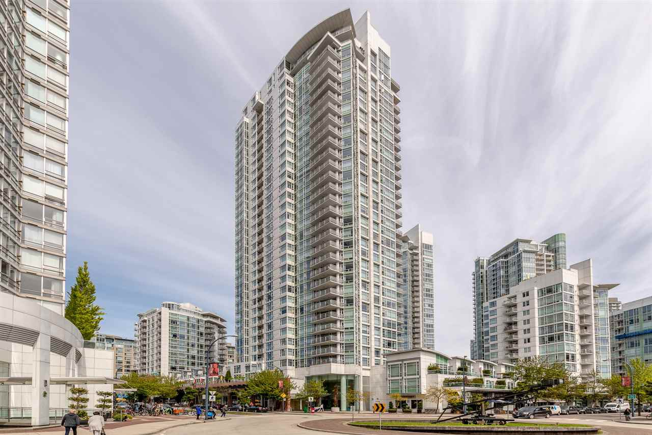 "Main Photo: 606 1199 MARINASIDE Crescent in Vancouver: Yaletown Condo for sale in ""AQUARIUS I"" (Vancouver West)  : MLS®# R2379533"
