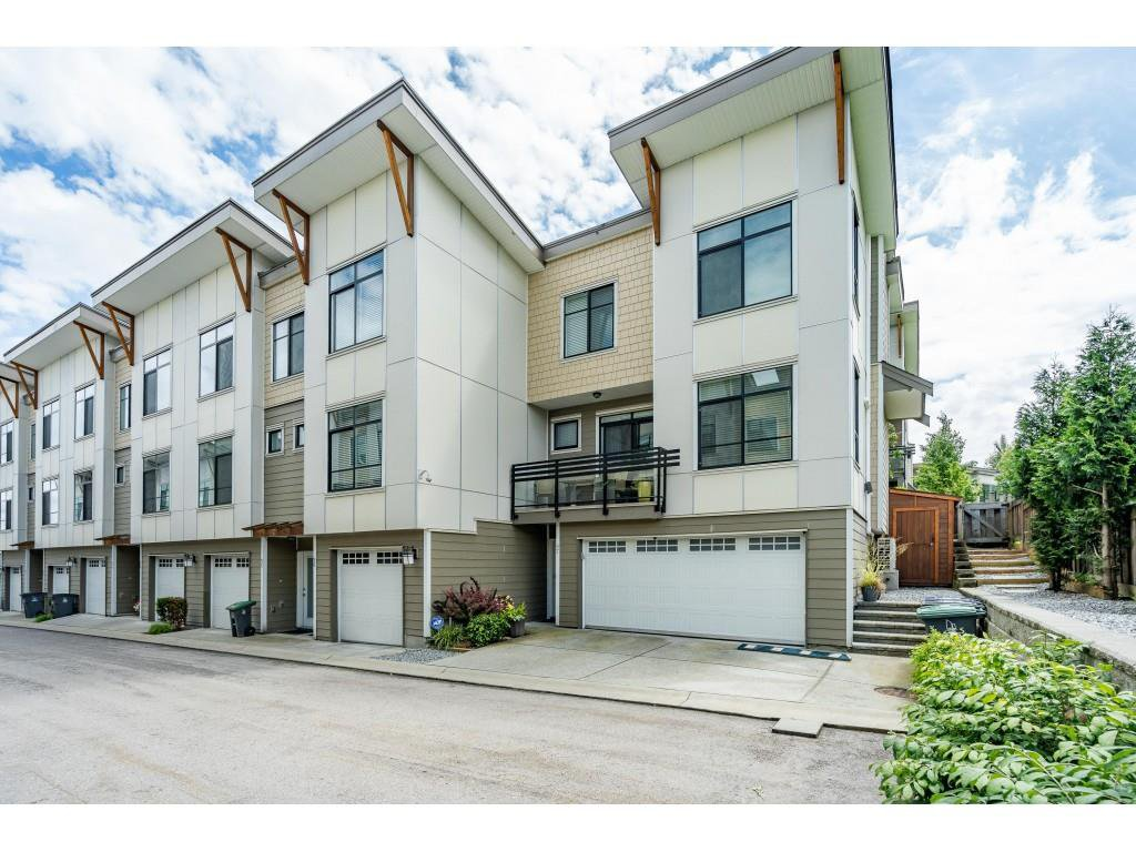 "Main Photo: 97 9989 BARNSTON Drive in Surrey: Fraser Heights Townhouse for sale in ""Highcrest"" (North Surrey)  : MLS®# R2477034"