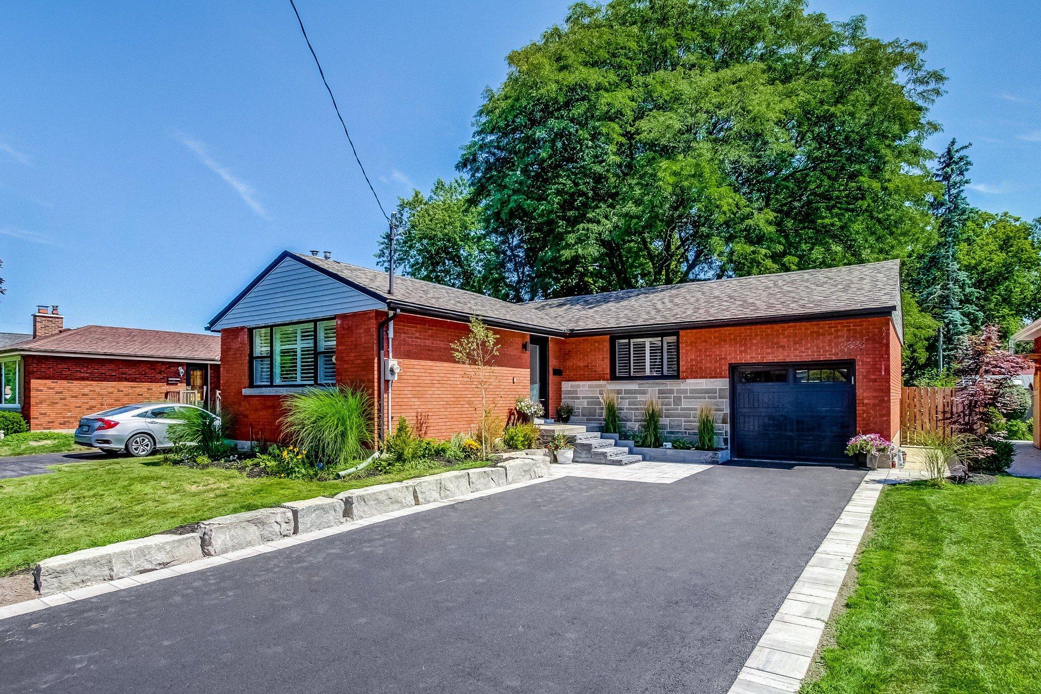 Main Photo: 2234 Joyce Street in Burlington: Brant House (Bungalow) for sale : MLS®# W4870337