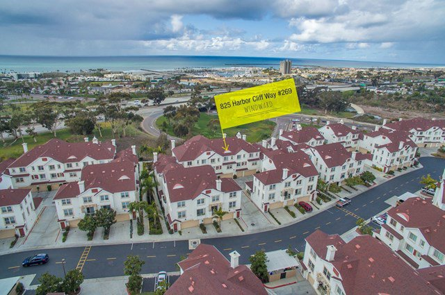 Main Photo: Townhome for sale : 3 bedrooms : 825 Harbor Cliff Way #269 in Oceanside
