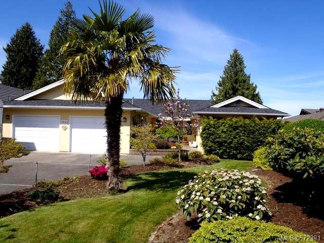 Main Photo: 1053 Eaglecrest Dr in QUALICUM BEACH: PQ Qualicum Beach House for sale (Parksville/Qualicum)  : MLS®# 572391