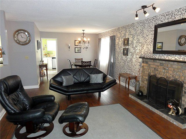 Photo 4: Photos: 8460 154A ST in Surrey: Fleetwood Tynehead House for sale : MLS®# F1322503