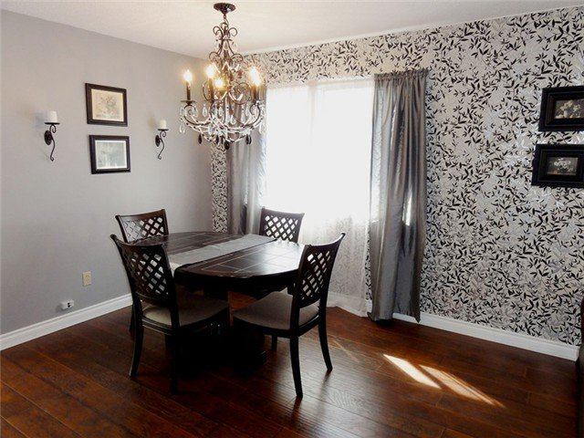 Photo 3: Photos: 8460 154A ST in Surrey: Fleetwood Tynehead House for sale : MLS®# F1322503