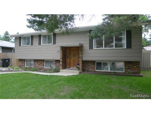 Main Photo: 38 Birch Place in Saskatoon: Forest Grove Single Family Dwelling for sale (Saskatoon Area 01)  : MLS®# 503448