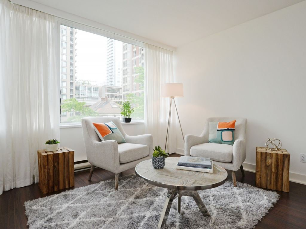 """Photo 3: Photos: 203 888 HAMILTON Street in Vancouver: Downtown VW Condo for sale in """"ROSEDALE GARDENS"""" (Vancouver West)  : MLS®# R2169872"""