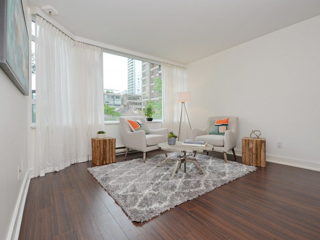 """Photo 11: Photos: 203 888 HAMILTON Street in Vancouver: Downtown VW Condo for sale in """"ROSEDALE GARDENS"""" (Vancouver West)  : MLS®# R2169872"""