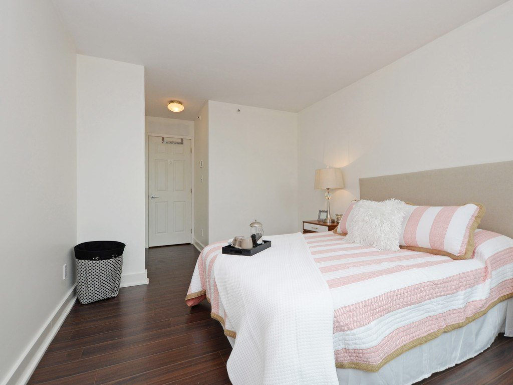 """Photo 8: Photos: 203 888 HAMILTON Street in Vancouver: Downtown VW Condo for sale in """"ROSEDALE GARDENS"""" (Vancouver West)  : MLS®# R2169872"""