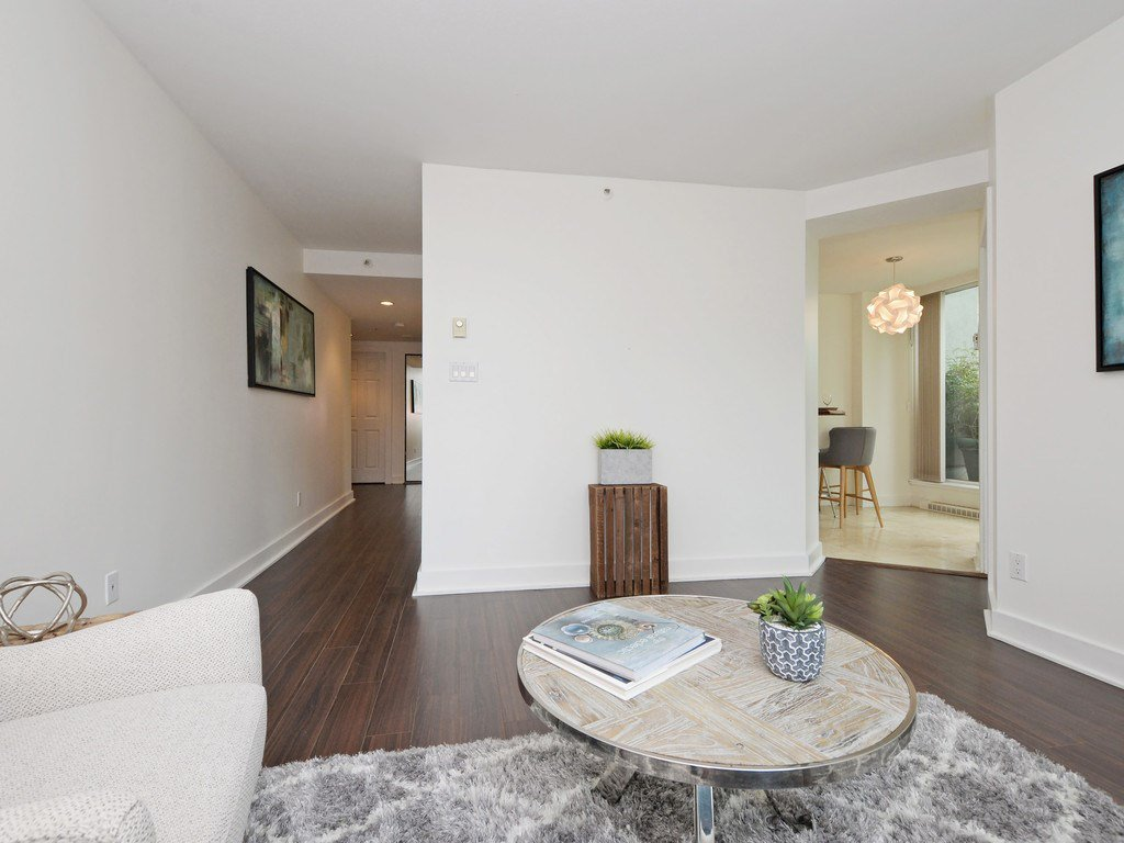 """Photo 14: Photos: 203 888 HAMILTON Street in Vancouver: Downtown VW Condo for sale in """"ROSEDALE GARDENS"""" (Vancouver West)  : MLS®# R2169872"""