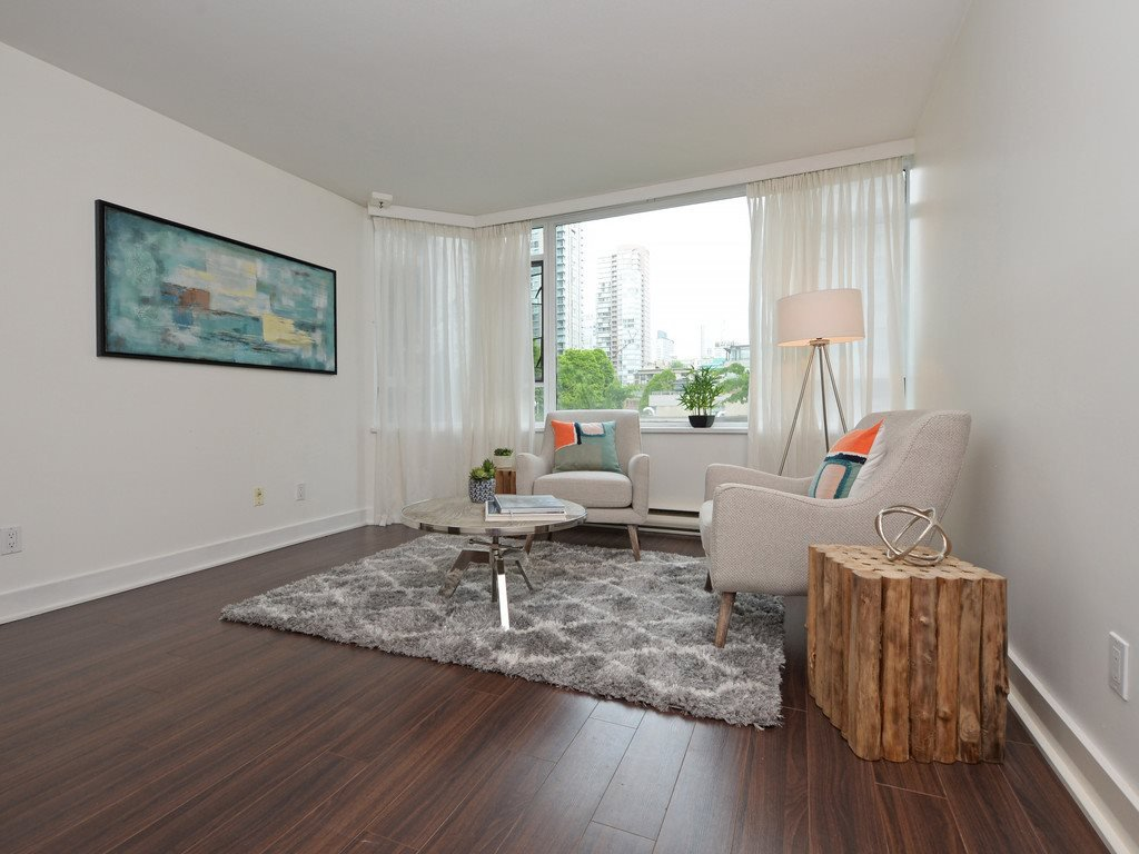 """Photo 13: Photos: 203 888 HAMILTON Street in Vancouver: Downtown VW Condo for sale in """"ROSEDALE GARDENS"""" (Vancouver West)  : MLS®# R2169872"""