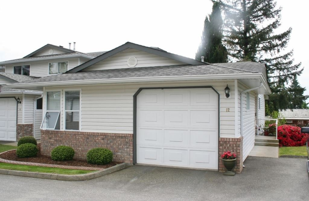 "Main Photo: 12 32861 SHIKAZE Court in Mission: Mission BC Townhouse for sale in ""Cherry Lane"" : MLS®# R2173355"