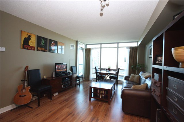 Photo 1: Photos: 3607 81 Navy Wharf Court in Toronto: Waterfront Communities C1 Condo for sale (Toronto C01)  : MLS®# C3841481