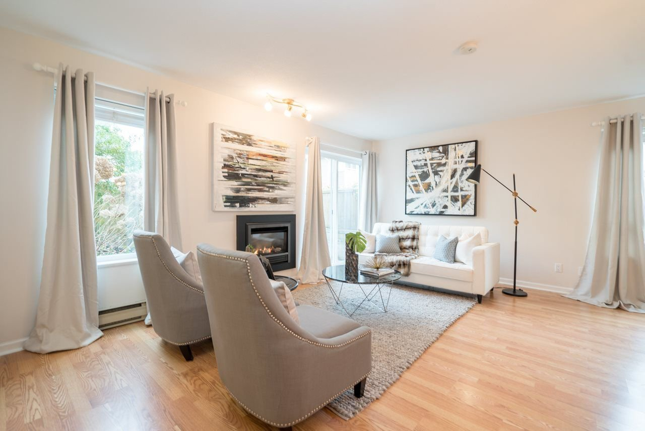 Main Photo: 12 849 TOBRUCK Avenue in North Vancouver: Hamilton Townhouse for sale : MLS®# R2246570