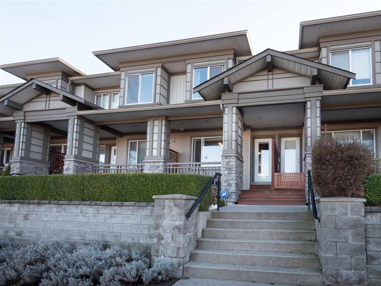"""Main Photo: 174 18701 66 Avenue in Surrey: Cloverdale BC Townhouse for sale in """"Encore"""" (Cloverdale)  : MLS®# R2248074"""