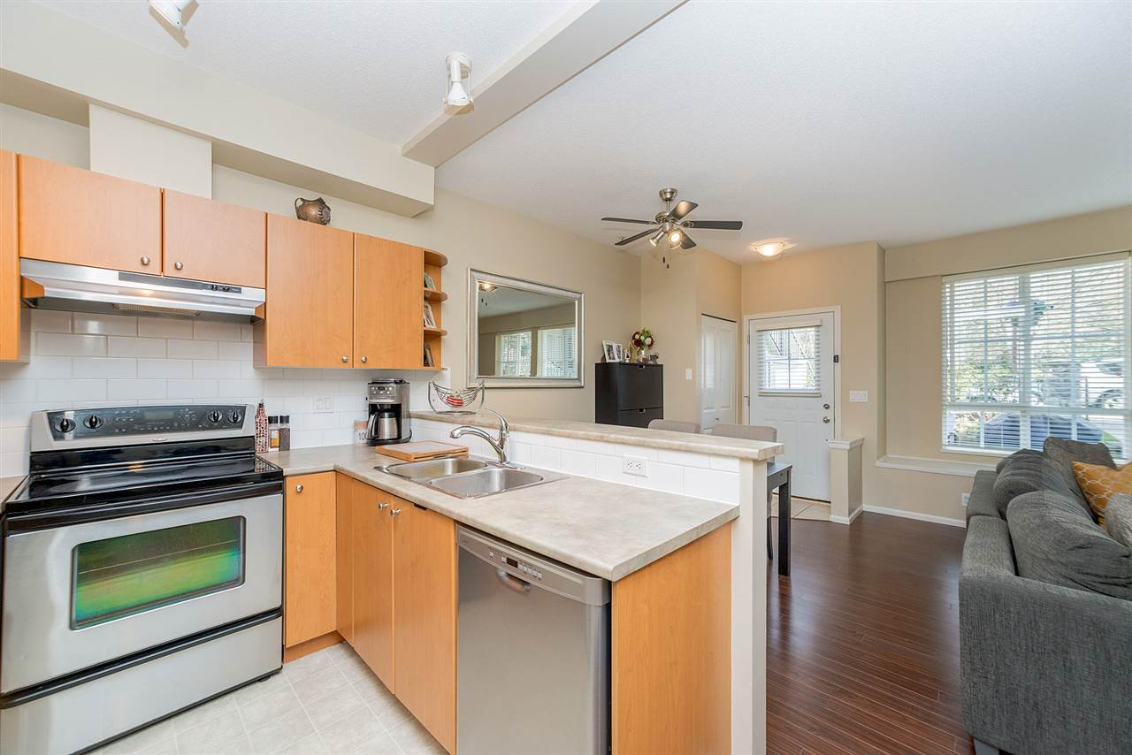 """Photo 12: Photos: 81 7503 18TH Street in Burnaby: Edmonds BE Condo for sale in """"SOUTHBOROUGH"""" (Burnaby East)  : MLS®# R2249263"""